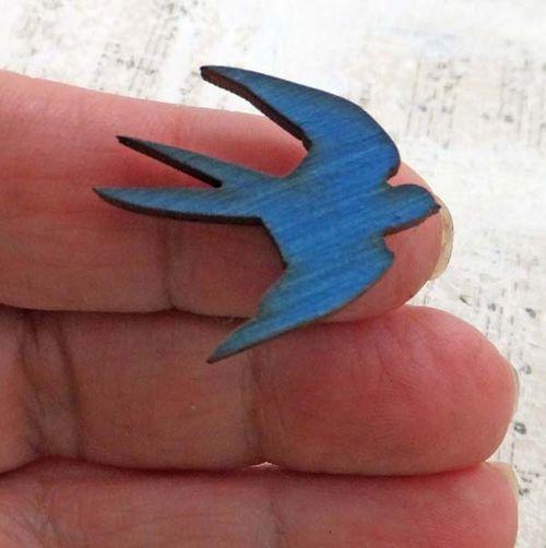 DetailARTchixBlueSwallow